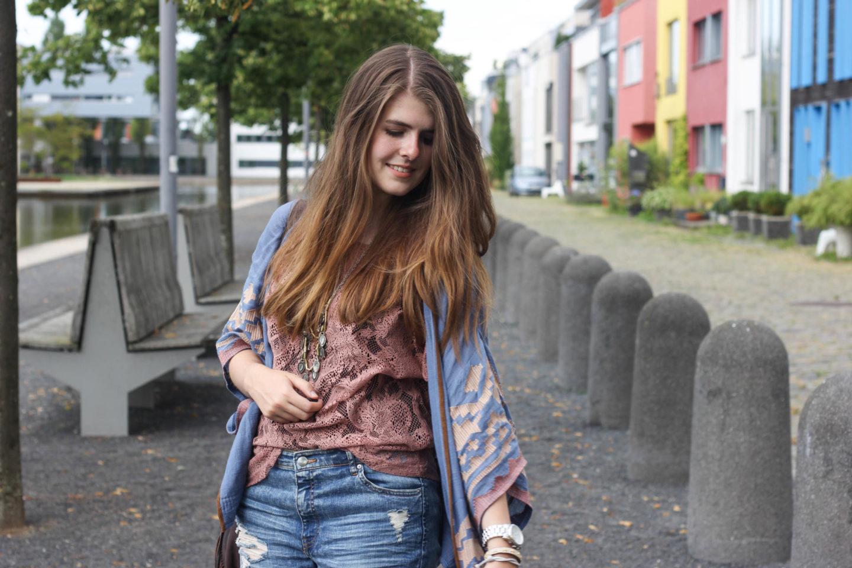Kimono and Boyfriend Jeans