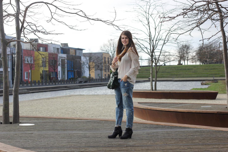 Black Friday Blogger