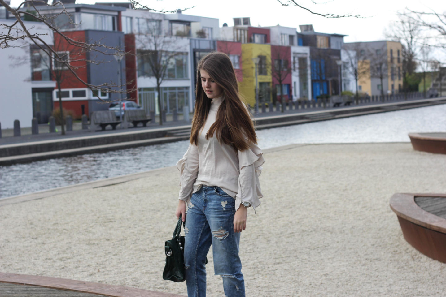 Volant Blouse Ripped Jeans