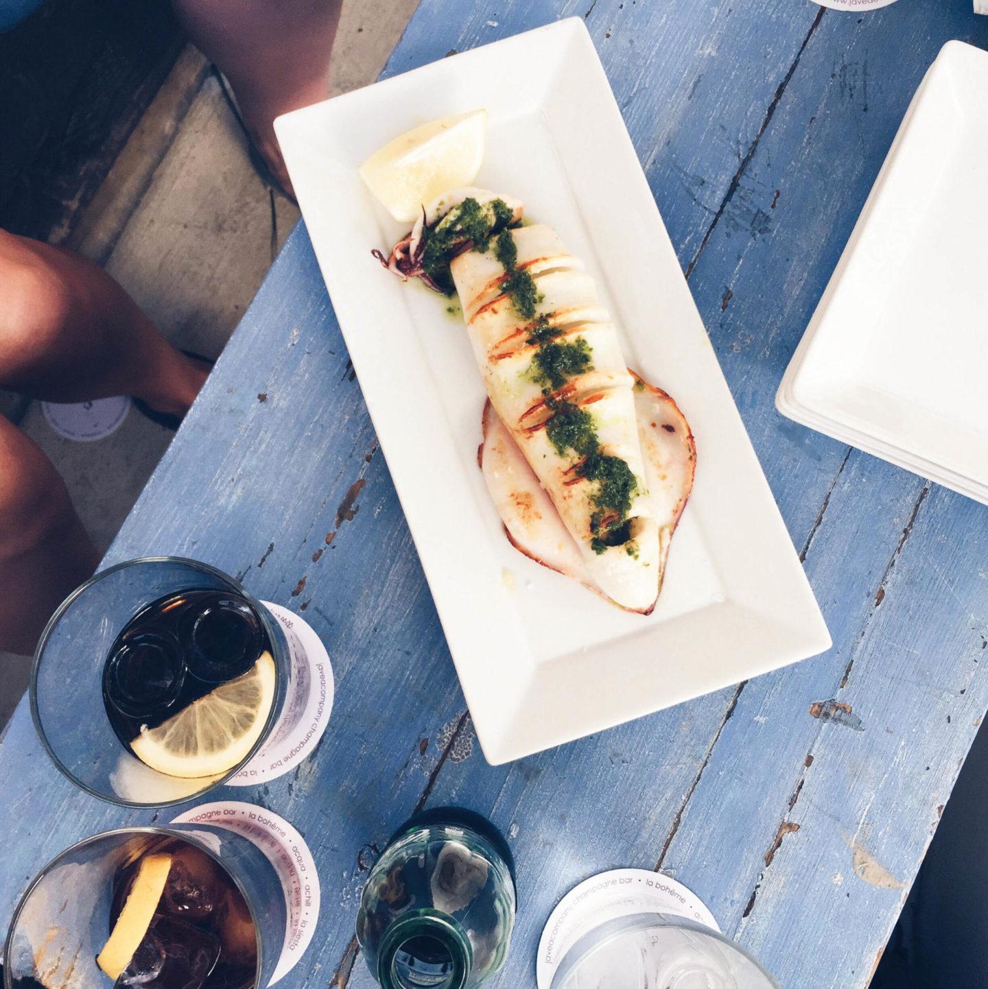 yum food sea food