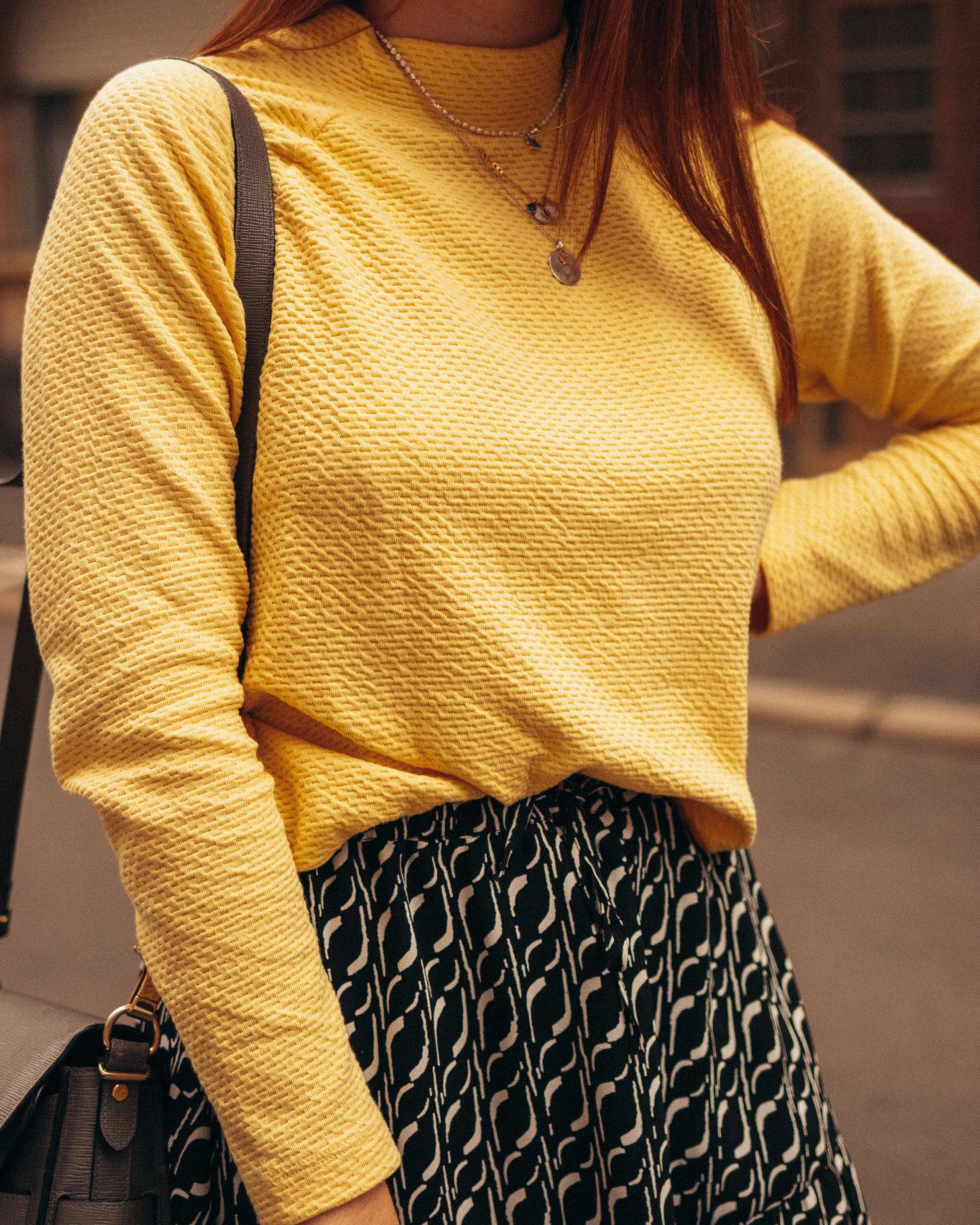 KLiNGEL Gelber Pullover
