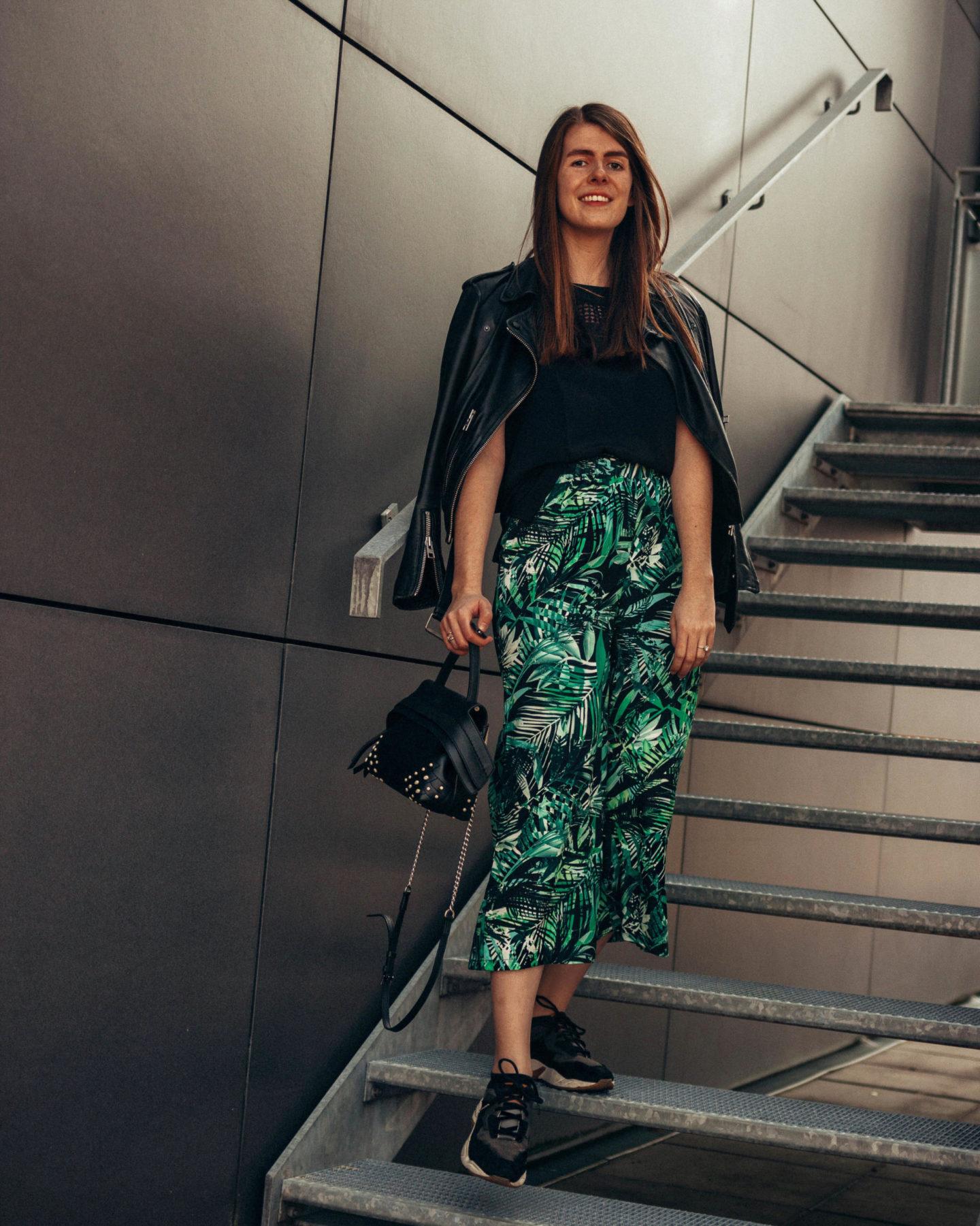 KLiNGEL Blumenmuster Outfit
