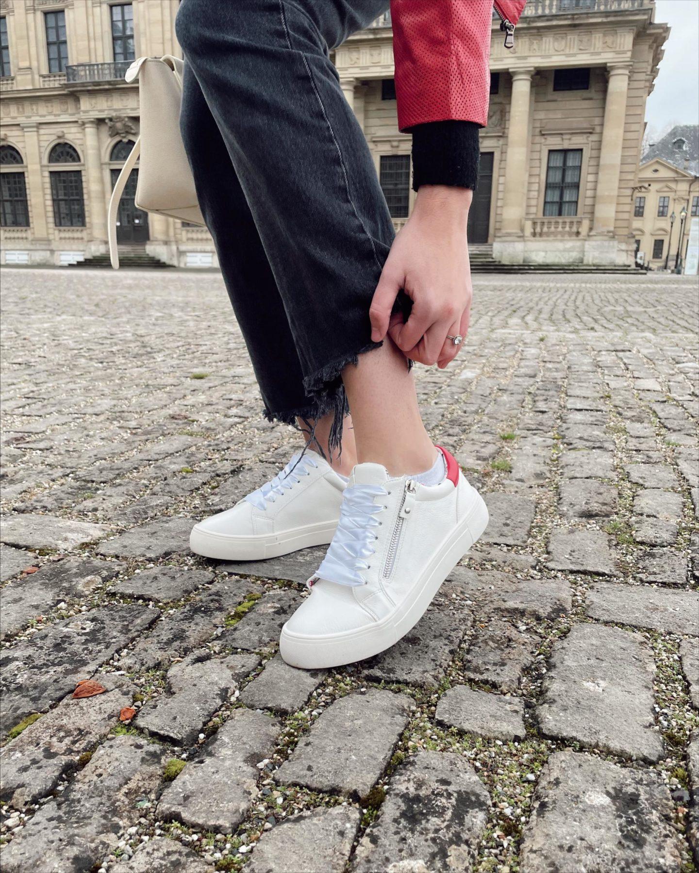 Valentinstag_Outfit_KLiNGEL_Sneaker